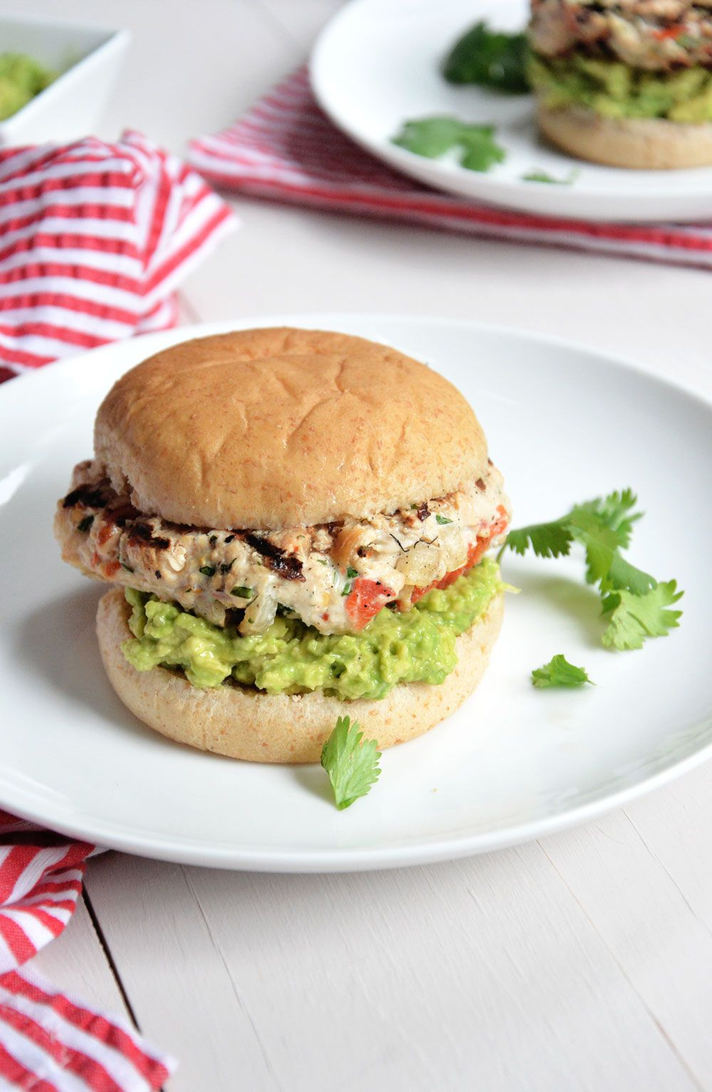 Avocado And Chile Lime Chicken Burges Lean Chicken Burgers With