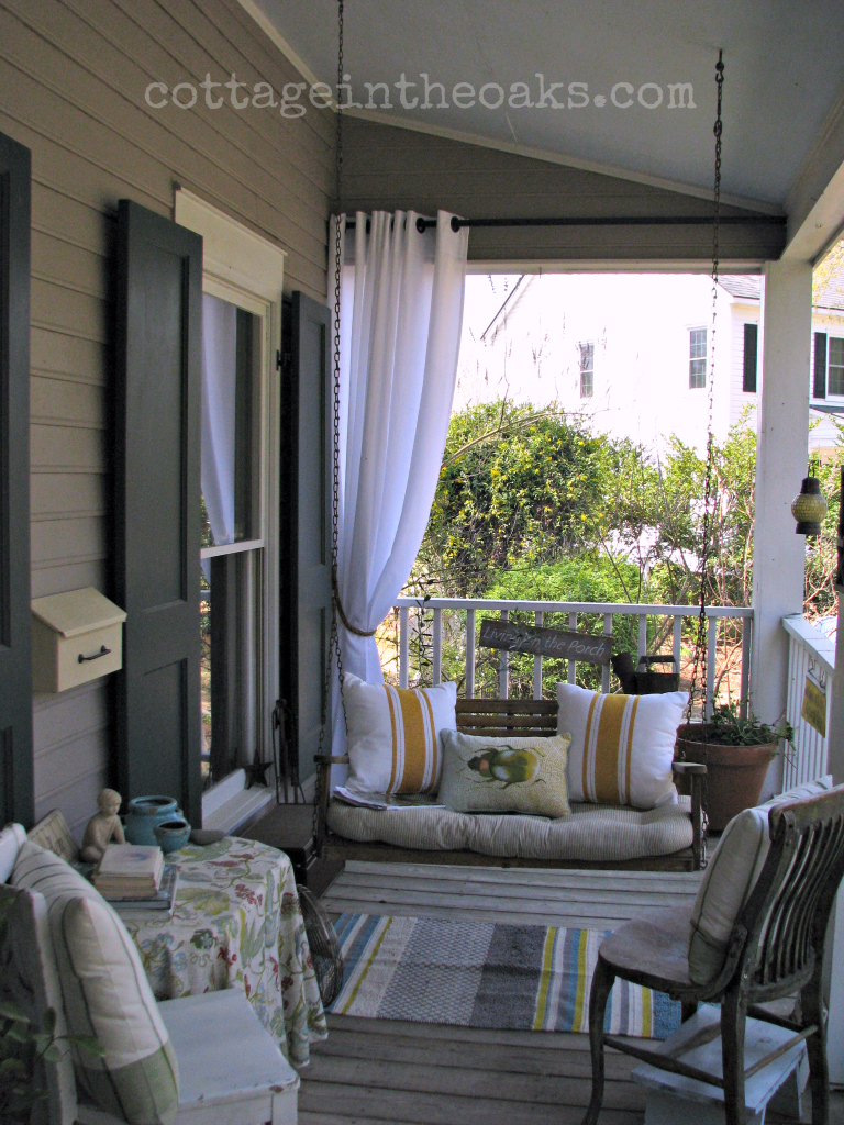 AMAZING porch makeover! You need to see the before and the other ...