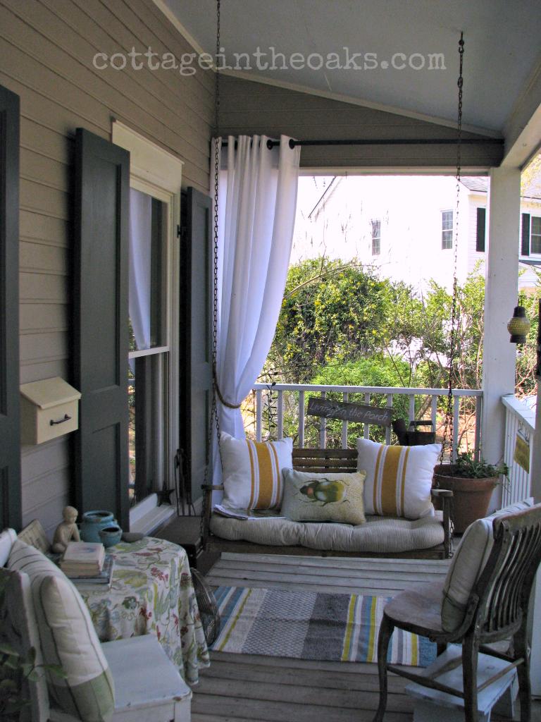 Spring front porch terrazas casa de pueblo y balcones for Porches de casas pequenas