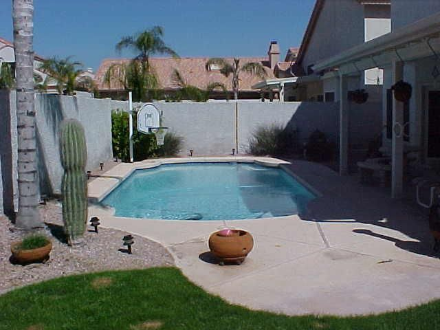 small pools spools 1990s swimming pool phoenix homes design through the decades homes where the heart is pinterest fenice design per la casa e - Swimming Pool Designs Small Yards
