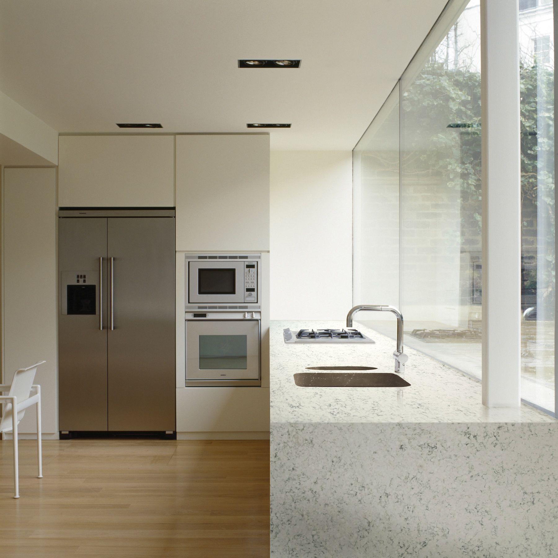 Beautiful Modern Kitchen. HanStone Quartz. Cascina Collection. ITALIAN WAVES  (RU701J). #