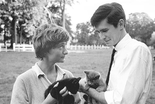 Anthony Perkins and Françoise Sagan, 1960.  http://jewahl.tumblr.com/post/27861551689/anthony-perkins-and-francoise-sagan-1960