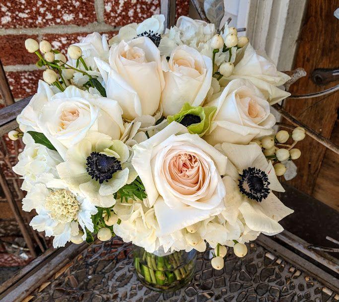 Blush & Navy Bouquet #blushnavyweddingflowers