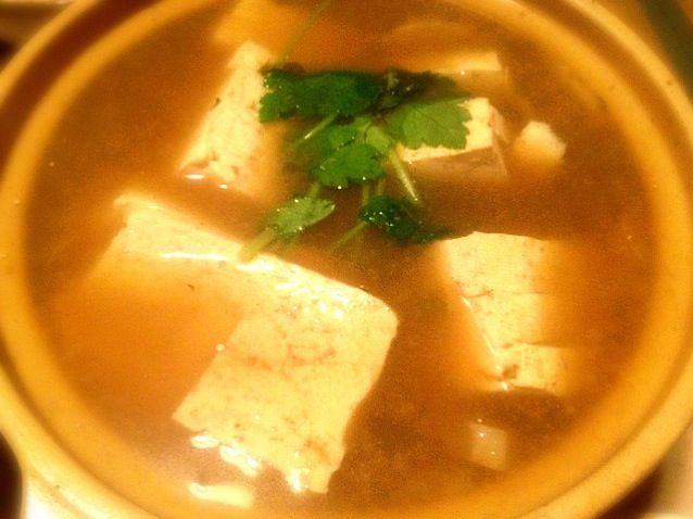 昨日の鍋の残りで隼人瓜と一緒に煮ました。 - 3件のもぐもぐ - 湯豆腐 by toki69