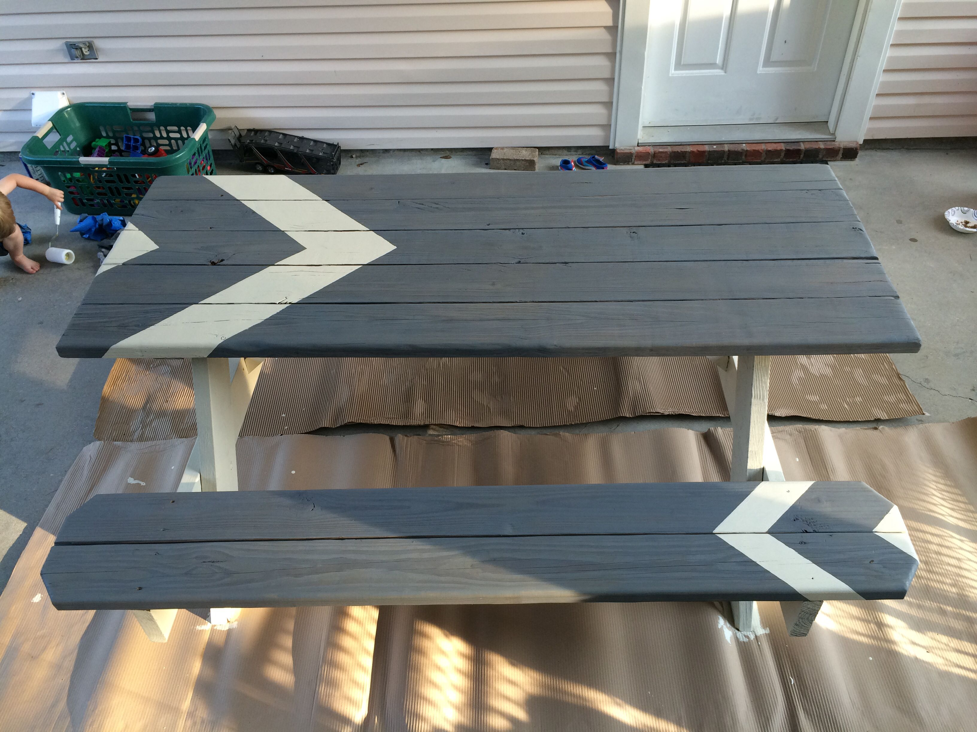 StainPainted Picnic Table HOME Backyard Pinterest Painted - How to stain a picnic table
