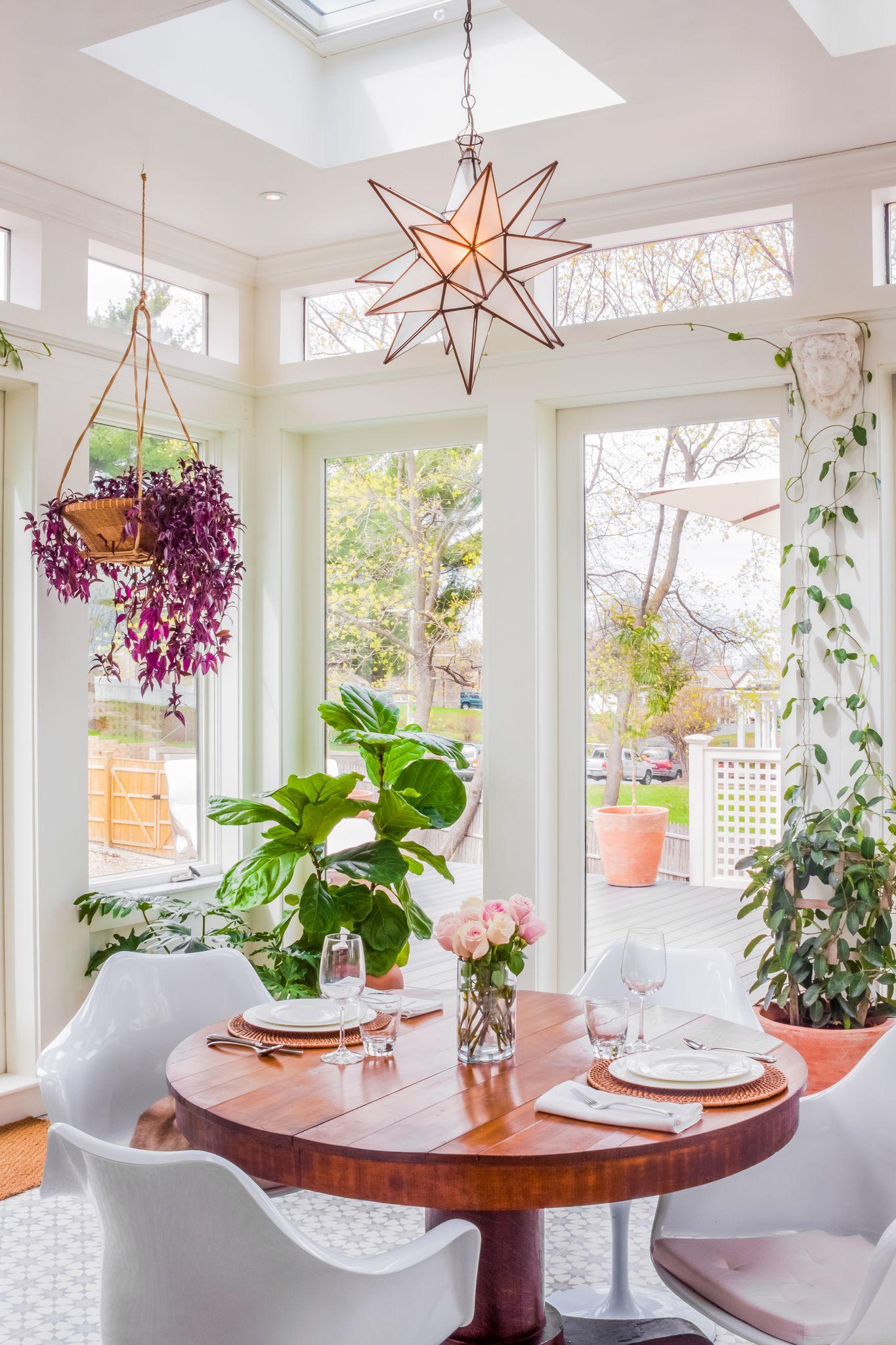 15 Bright Sunrooms That Take Every Advantage Of Natural Light: Идеи для украшения, Идеи домашнего декора и Солярий