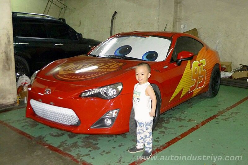 Awesome dad builds his son a Toyota