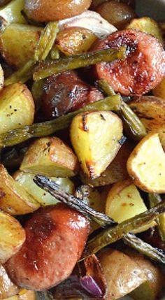 Photo of Patatas asadas con chorizo ahumado y judías verdes
