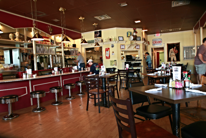 10 Best Restaurants You Need To Try In Mississippi Usa Best Diner Diner Mississippi Restaurants