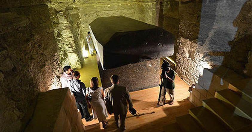 El misterio de las 24 «cajas» de 100 toneladas encontradas cerca de las Pirámides de Giza - http://codigooculto.com/2017/01/el-misterio-de-las-24-cajas-de-100-toneladas-encontradas-cerca-de-las-piramides-de-giza/