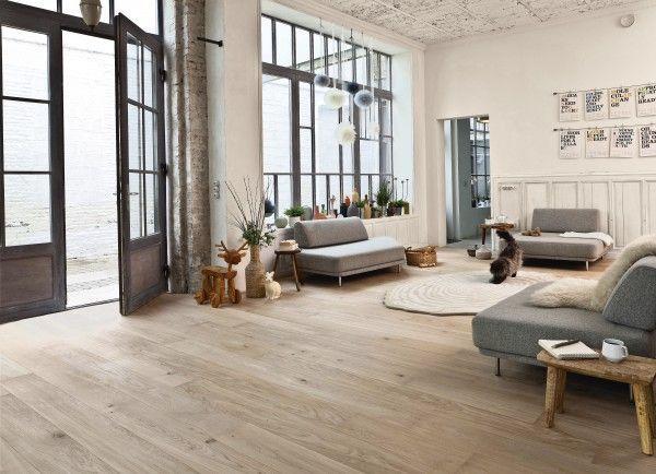 Salon avec un parquet en chêne massif clair #deco #decoration #salon - Salle A Manger Parquet