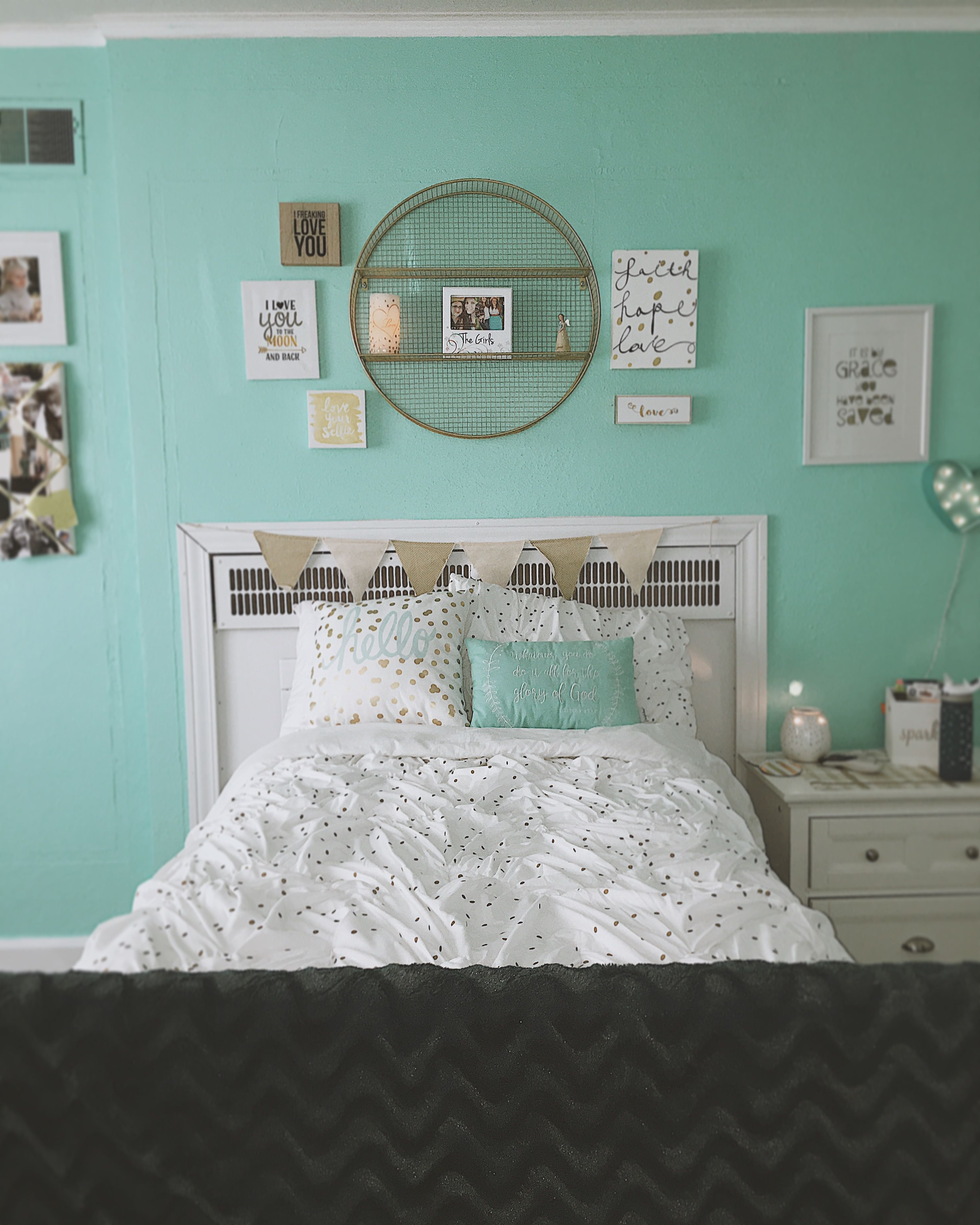 Gold White And Teal Dream Bedroom Turquoise Room Blue Room Decor Bedroom Blue Room Decor