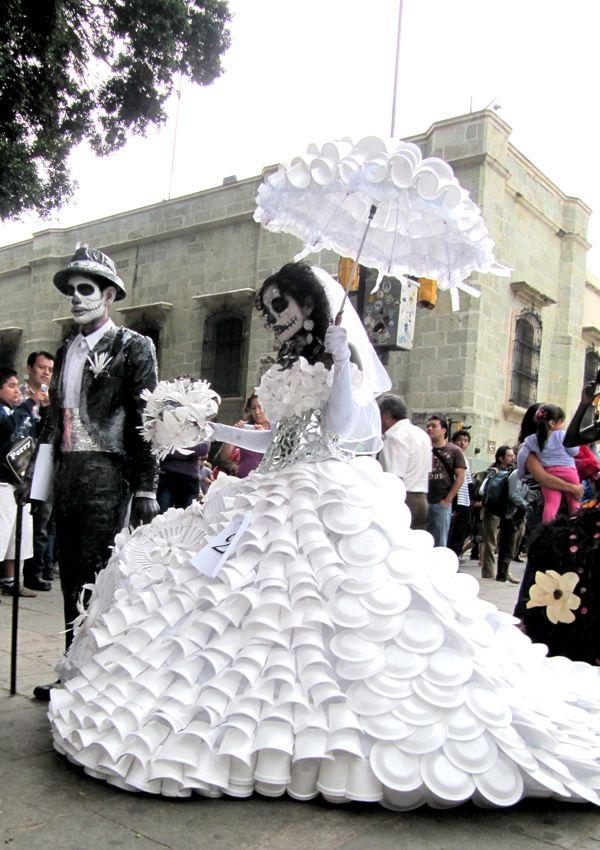 Día De Muertos In Oaxaca Mexico Amazing Upcycled Costumes