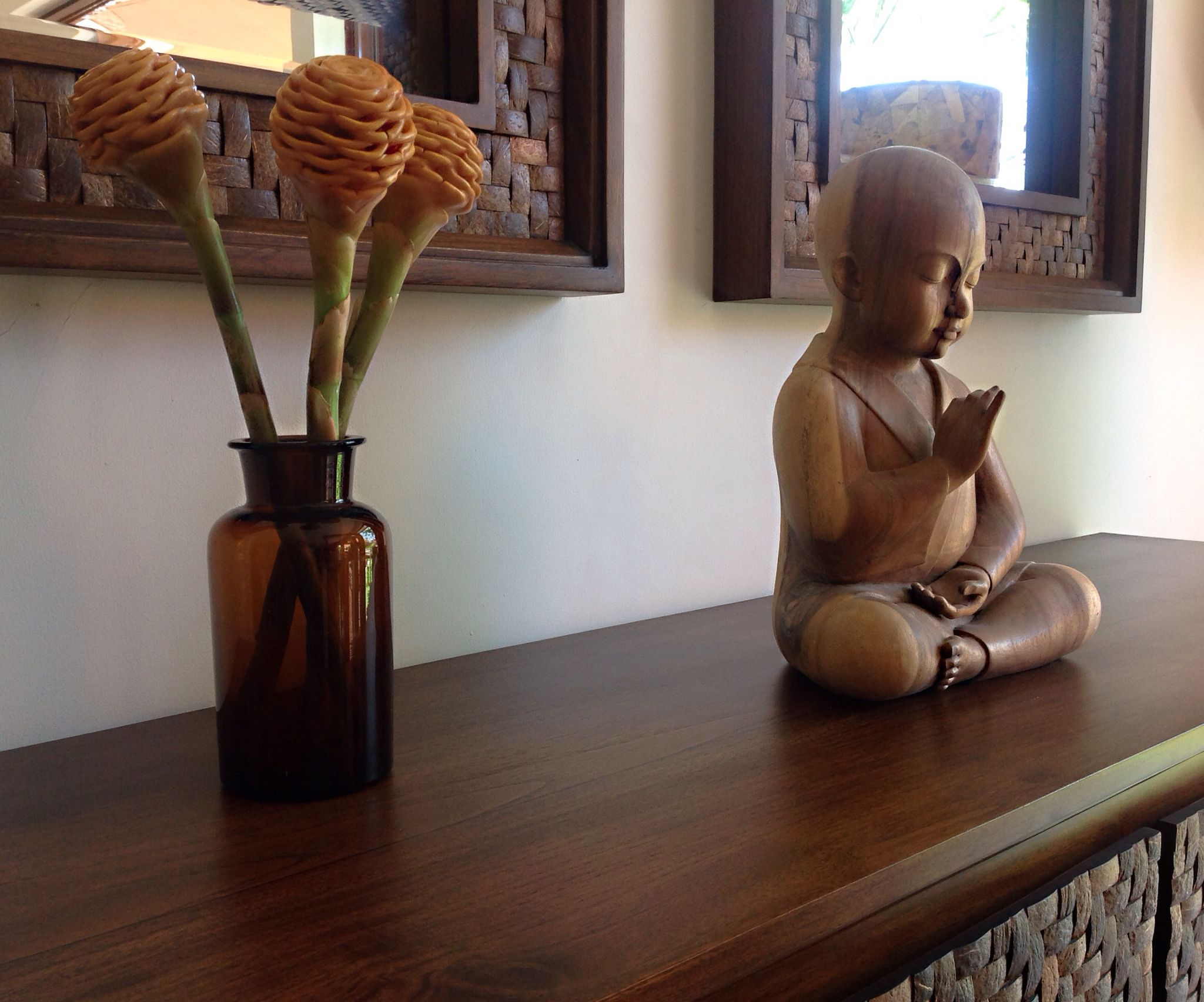 Gorgeous coconut shell collections by Dsign home accessories
