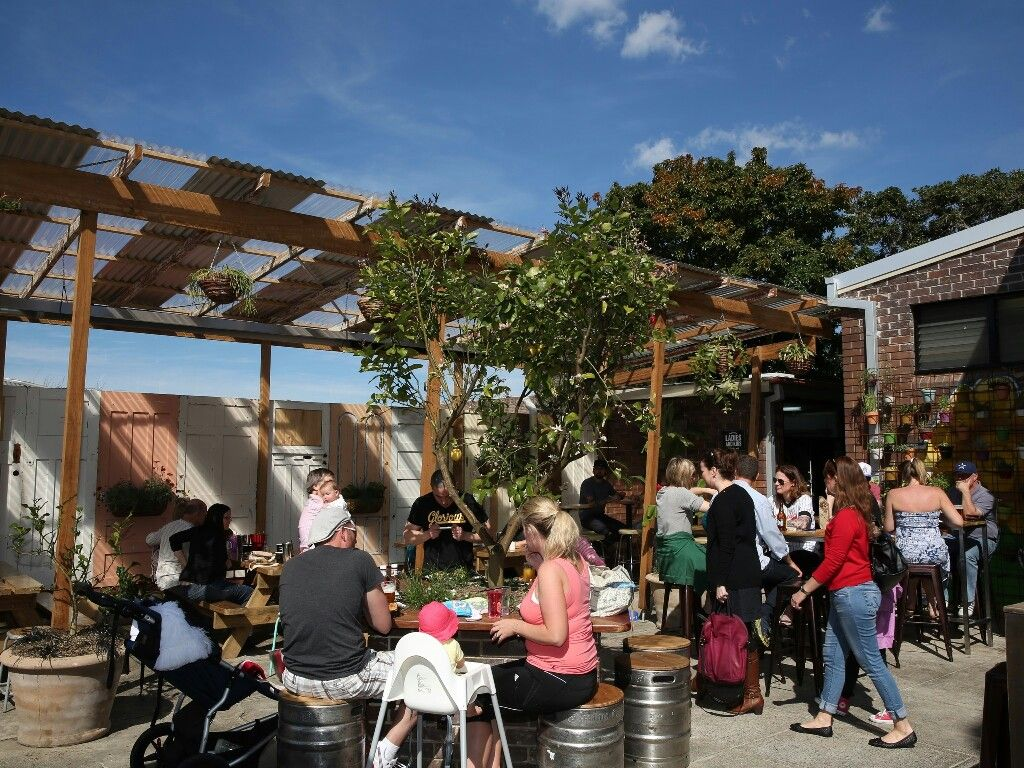 Pin by Neythan Hayes on beer garden | Pinterest | Beer garden and ...