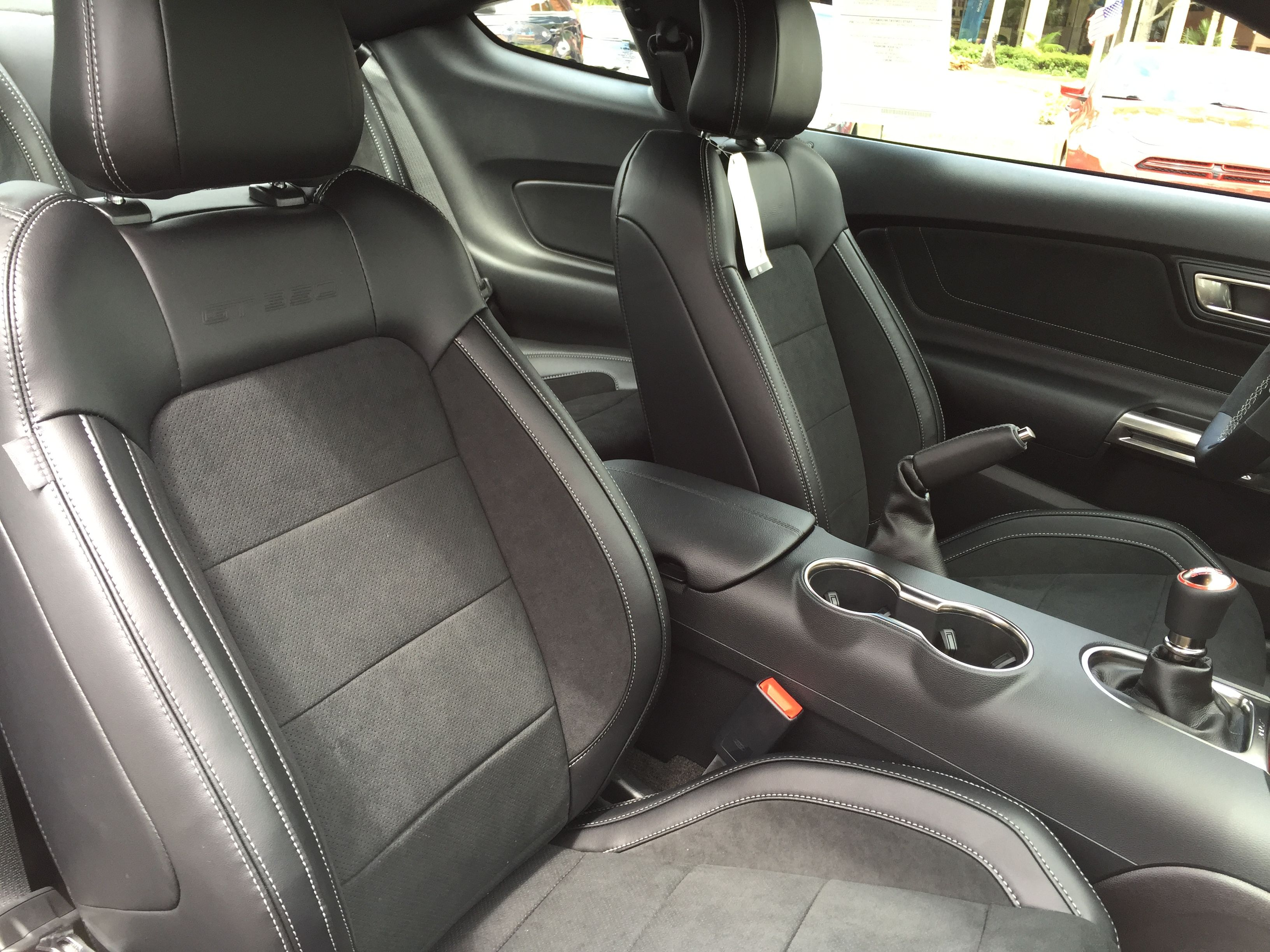 2016 Ford shelby Mustang GT 350 seats