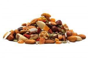 Benefits of Nuts and dried fruits as part of our diet