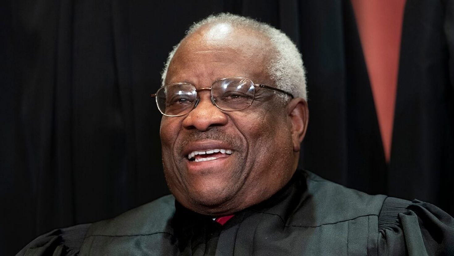 Clarence Thomas Calls For Abandoning Demonstrably Erroneous Precedent Touching Off Roe V Wade Speculation Clarence Thomas Supreme Court Justices Supreme Court