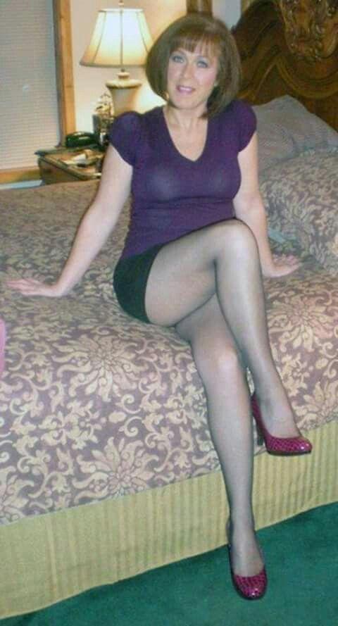 Mature amateur legs