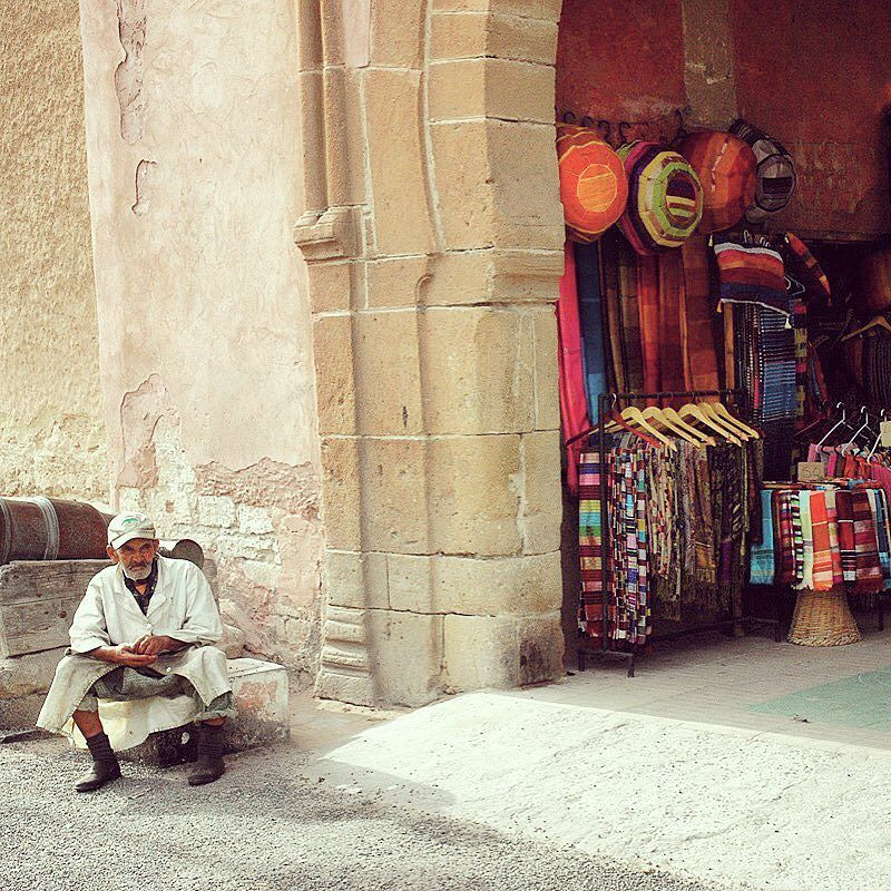 The Medina of Essaouira Morocco  . . 아름다운 항구와 메디나를 품고 있던 곳. @ 에싸우이라 모로코  #메디나 #상점 #구시가 #에싸우이라 #모로코 #아프리카 #북아프리카 #아프리카여행 #세계여행 #여행스타그램 #여행 #마이블루메아프리카  #medina #shop #beautiful #Morocco #maroc #africa #maiblumeafrica #travel #traveling #travelgram #travelling #travelingram #traveler #travelphotography #travels #traveltheworld #travelophoto #travelblog ---Copyright 2016. M'aiblume all rights reserved.--- by maiblume_flower