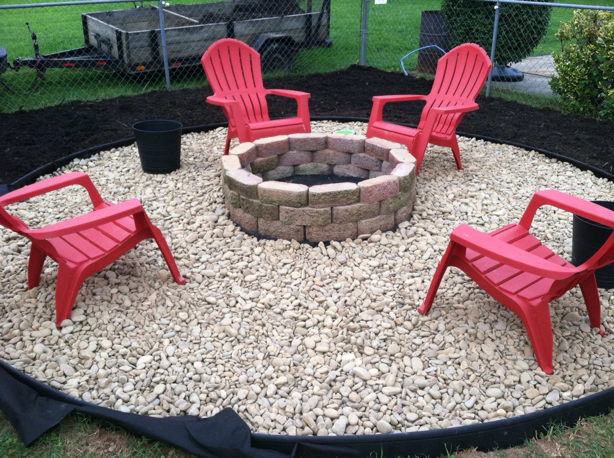 28 backyard seating ideas backyard website and yards for Backyard rock fire pit ideas