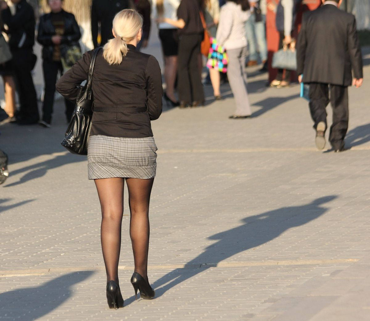 Short skirt on the streets — pic 11