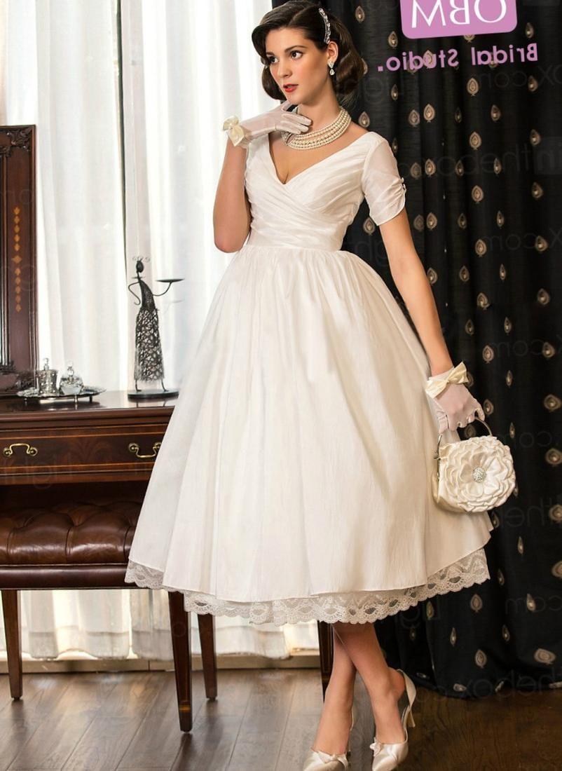 Elegant Plus Size Lace Tea Length Wedding Dresses Check