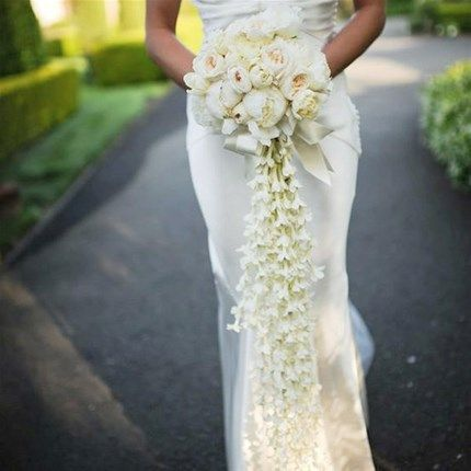 Best 25 cascading wedding bouquets ideas on pinterest for Big bouquets of flowers