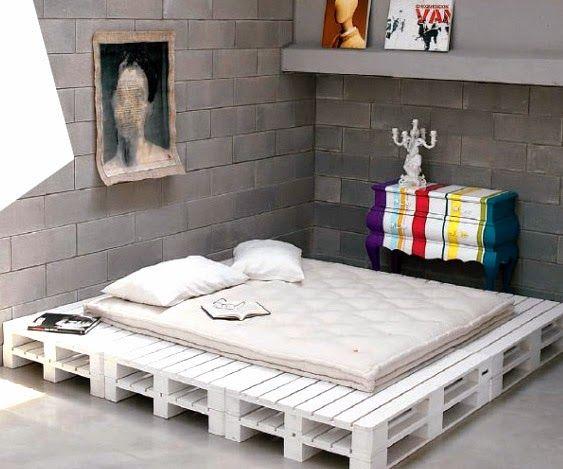 palettenbett matratzen und palettensofa auflagen pallet love pinterest palettenbett selber. Black Bedroom Furniture Sets. Home Design Ideas