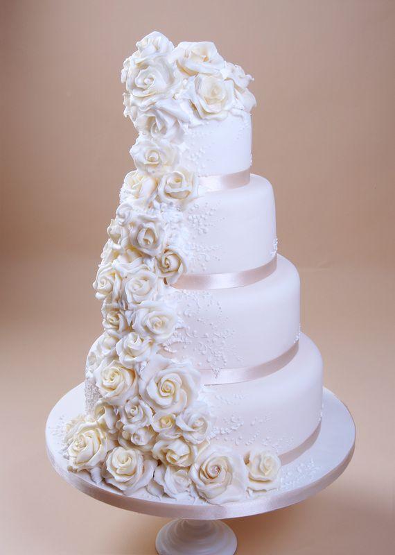 Cascading Roses Wedding Cake Thefrosterycouk The