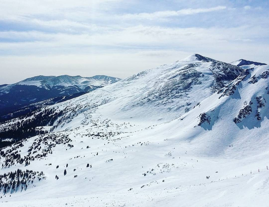 This view at @breckenridgemtn never gets old. Four more days to go until our next trip! #GoBreck  #breckenridge #breckbecause #brecklife #skiing #laskettelu #colorado #visitcolorado #coloradolive #cometolife #coloradoliving #travel #matka #reissu #nordicnomads #hiihtoloma #rinteet #outdoors #winter #talvi #rockymountains #rockies #mountains #vuoret (via Instagram)