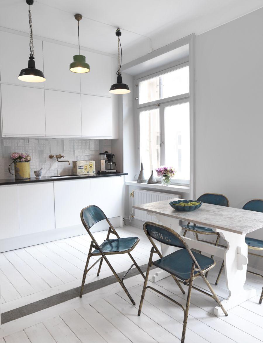 Nytt kök i industristil i sekelskiftestvåan | Küche, Kleine küche ...