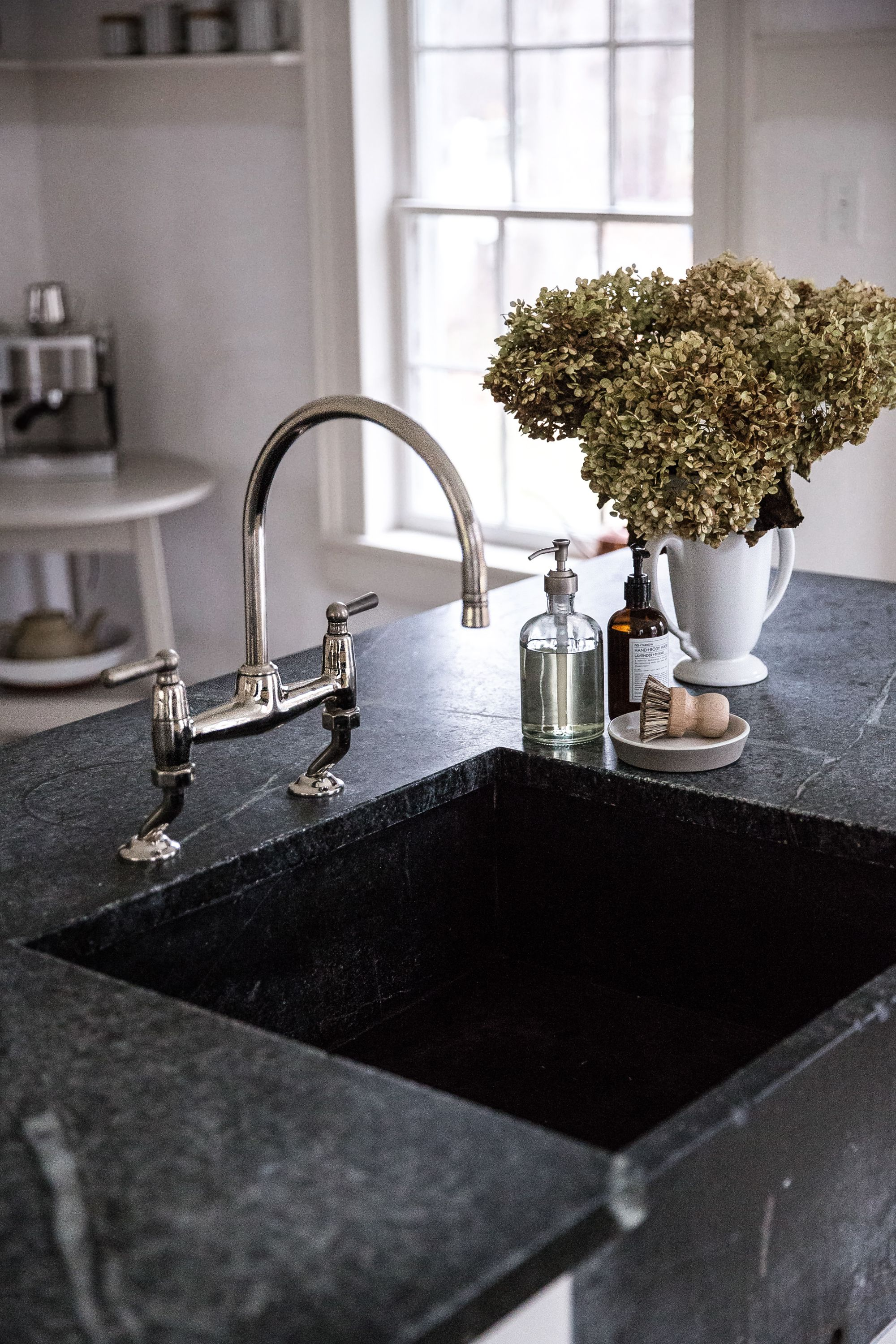 Design House Kitchen Faucets Old Soul A Revolution Era Hudson Valley Home Gets An Update From