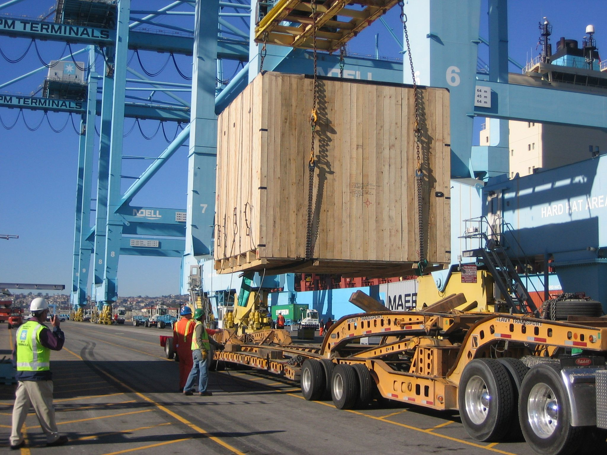 How to calculate sea freight charges? Truck mounted