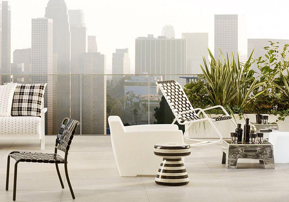 Gervasoni zwart wit schommelstoel interiorworks terras