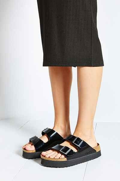 e6dcf6ff081 Birkenstock Papillio Arizona Platform Slide Sandal - Urban Outfitters