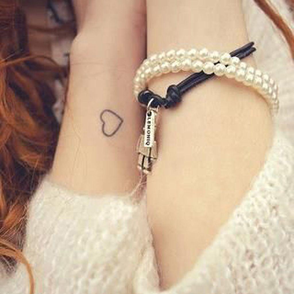Petit Tatouage Cœur Tatoo Pinterest Tattoos Girly Tattoos