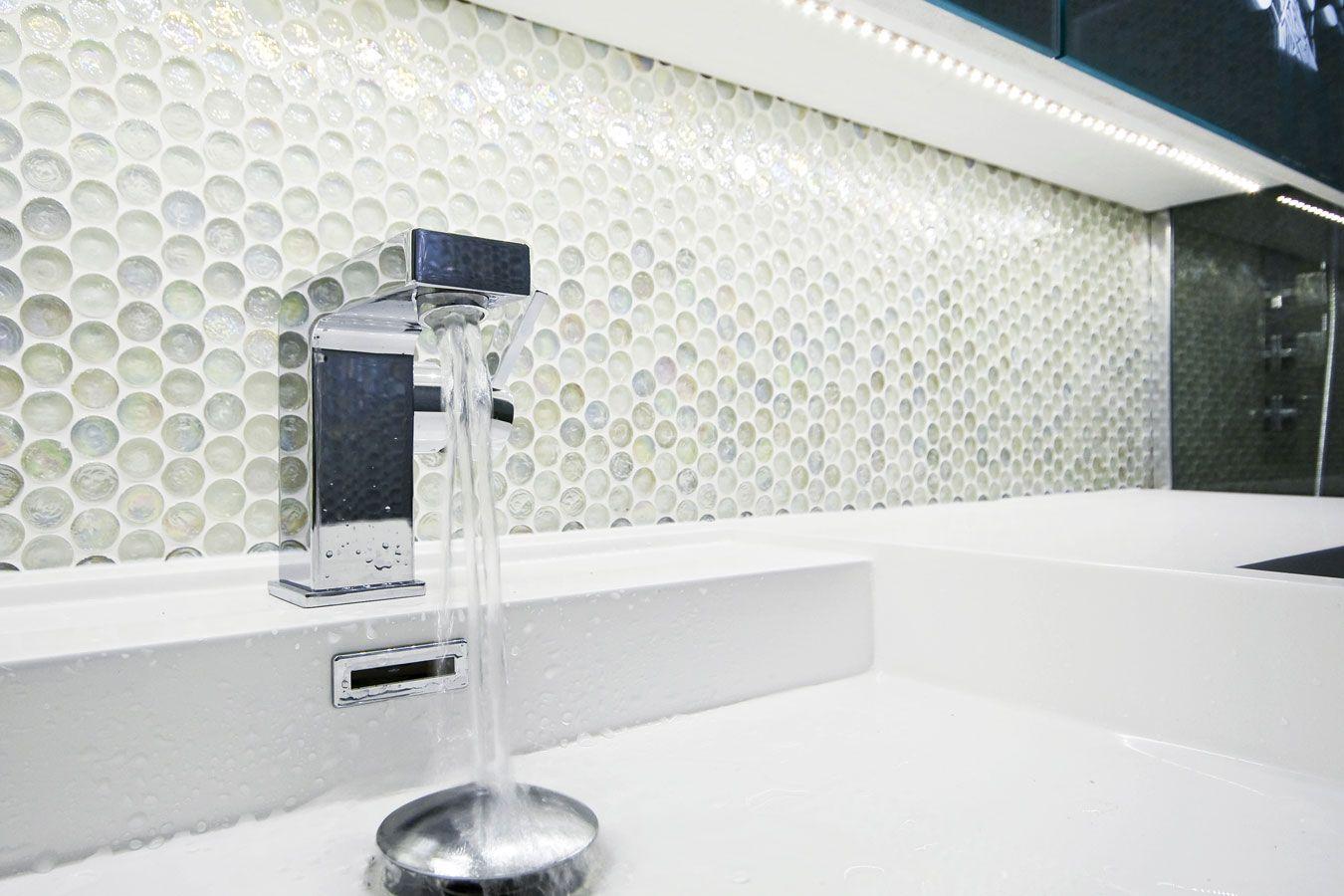 Badkamer Mozaiek Tegels : Ronde glas mozaïek tegels badkamer bathroom badkamer