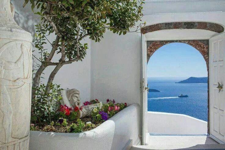 Santorini... View through the arch