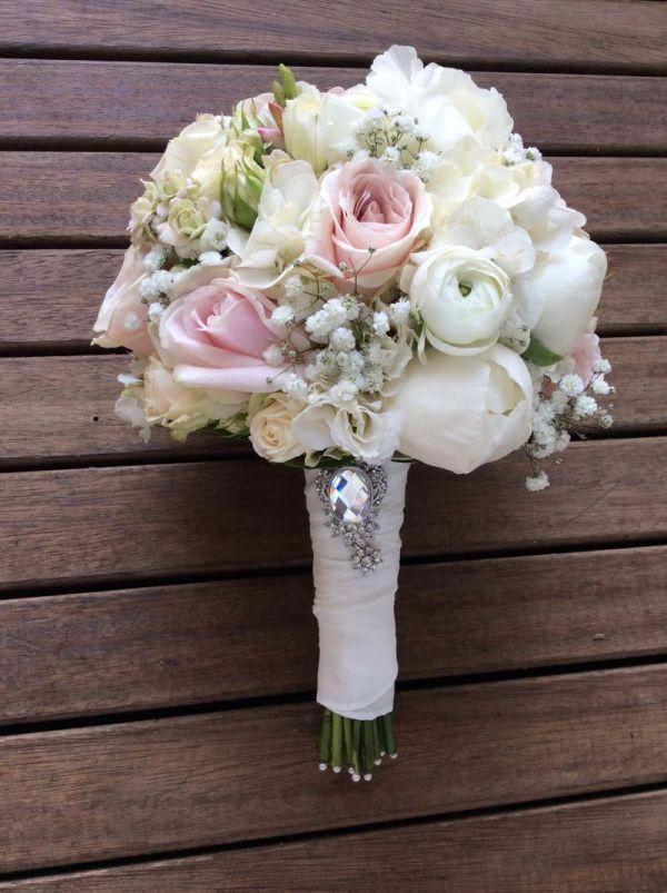 Milles Fleurs_ Brautstrauß_Strukturstrauß_Rosa-creme-weiß_ - 6 - Mary Bickert #whitebridalbouquets