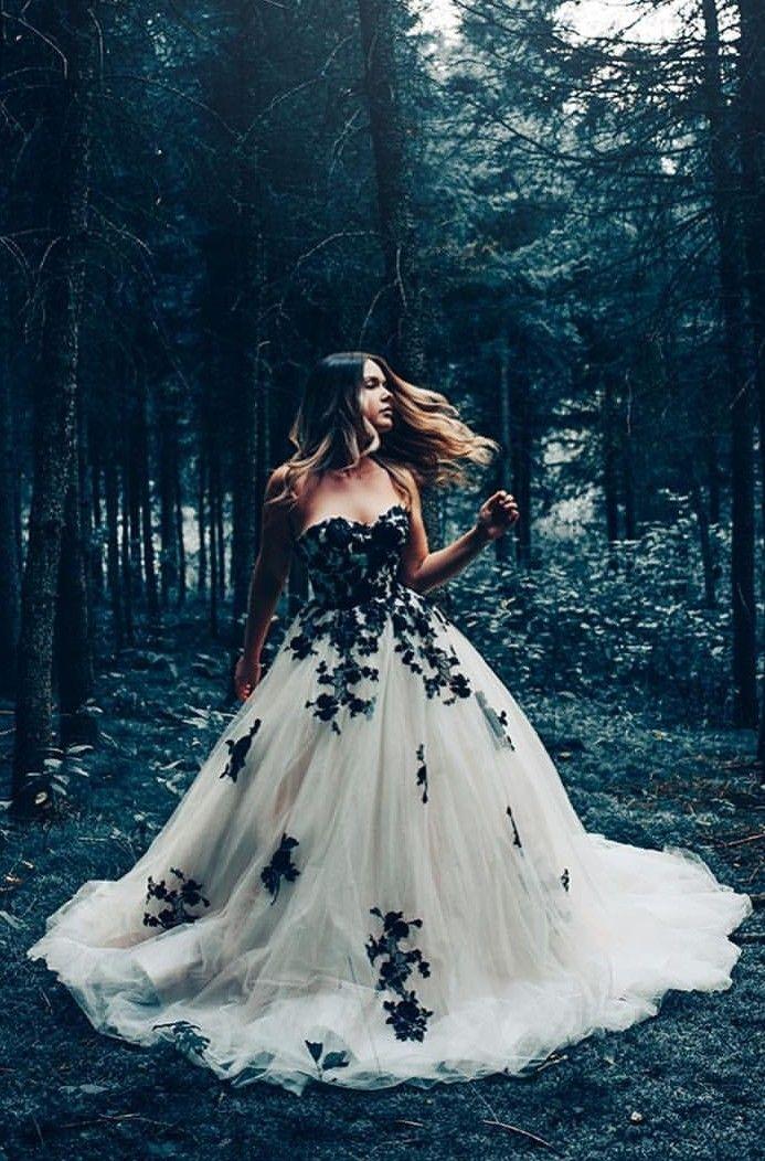 81955402e25a9 Black and white wedding dress