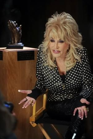 Dolly Parton   Dolly parton, Dolly, Cool hairstyles