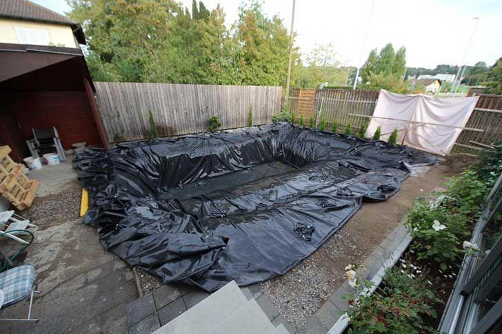 FOTOS: Construyó una piscina natural en su jardín, el resultado no ...
