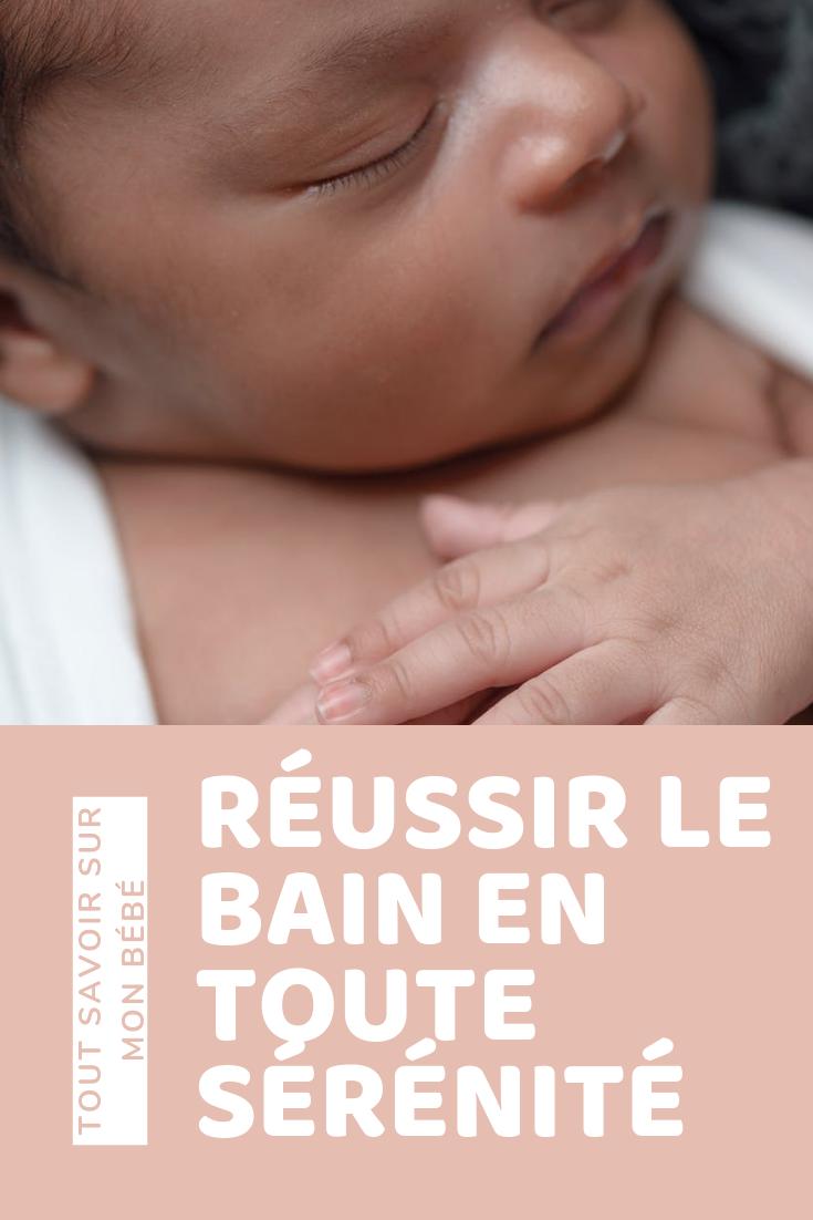 Reussir Le Bain De Votre Bebe En Toute Serenite Bebe Heureux Bebe Personnel Soignant