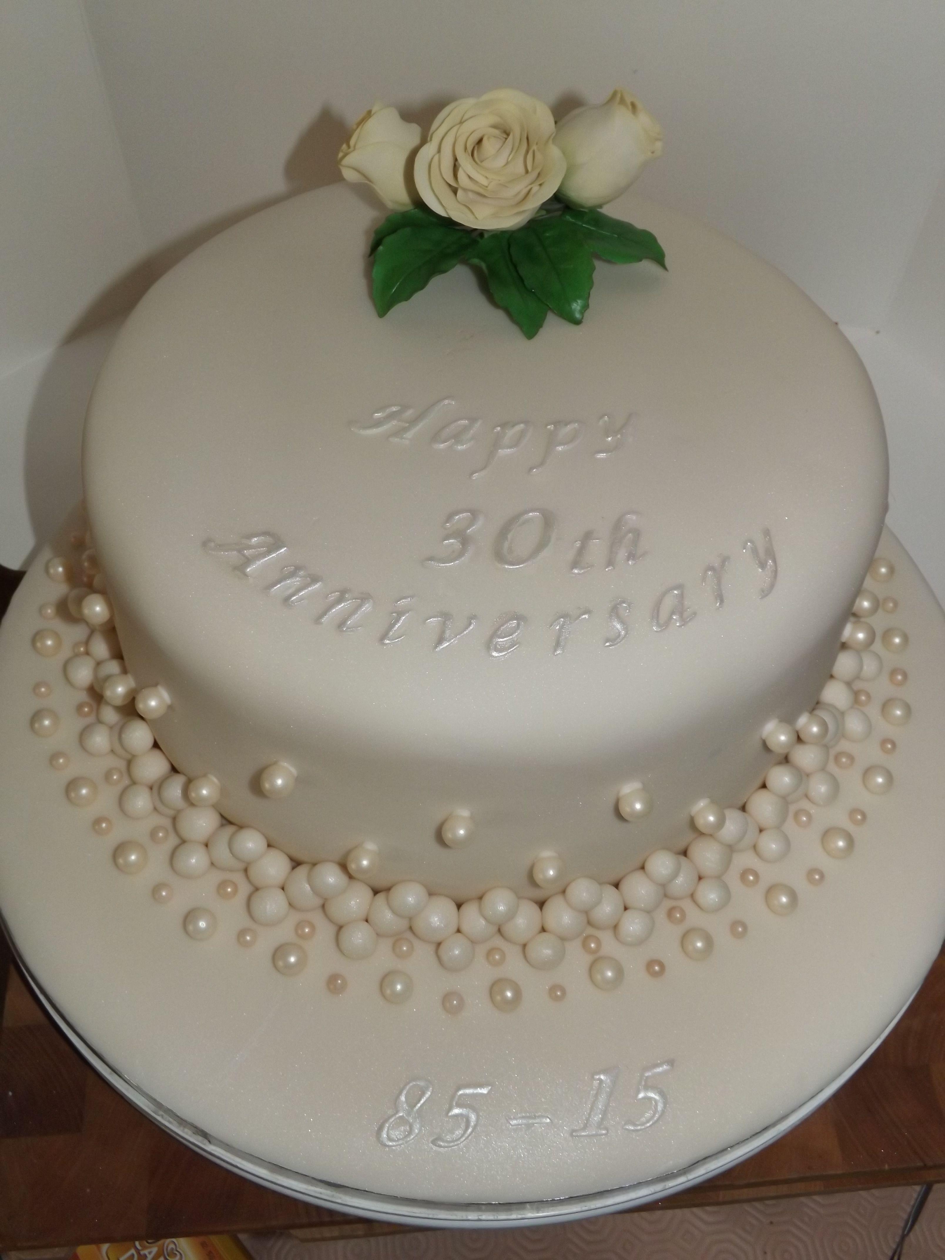 Pearl 30th Wedding Anniversary Cake With A Cream Sugar