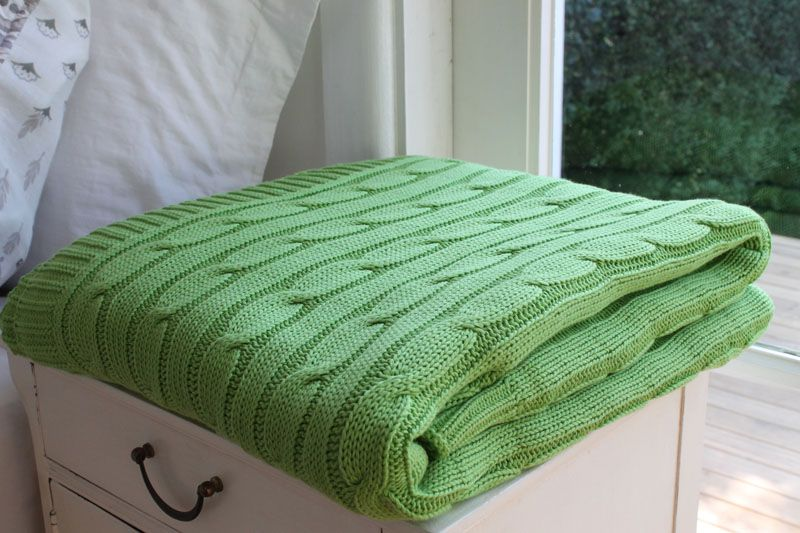 Giselle Green 100% cotton cable knit throw 180cm x 200cm
