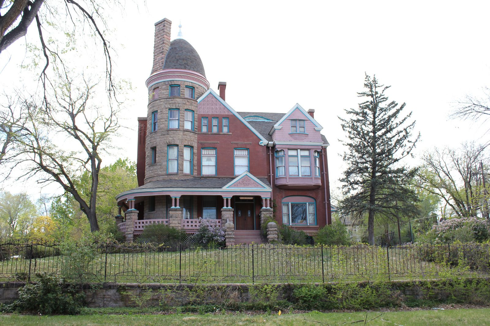 Gast Mansion Mansions Victorian Homes Cool Mansions