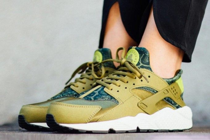 b303f43414cb On Feet Look At This Snakeskin Covered Nike Air Huarache 3 ...