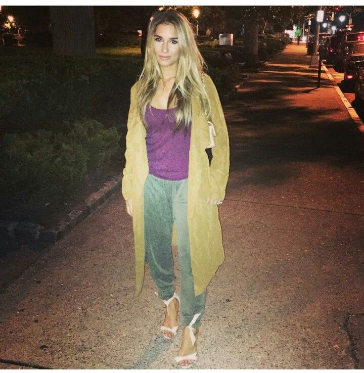 Pin by Chelsea Word on Date Night Jessie james decker