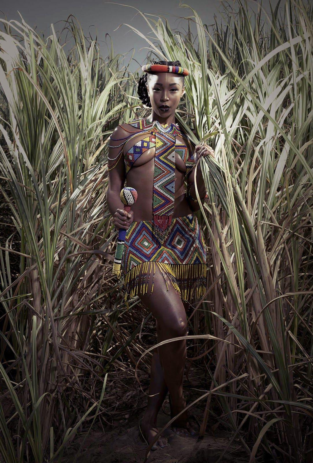 Zulu traditional dress in zulu kraal kwazulu natal - Minnie Dhlamini In Traditional Zulu Costume Southafrica